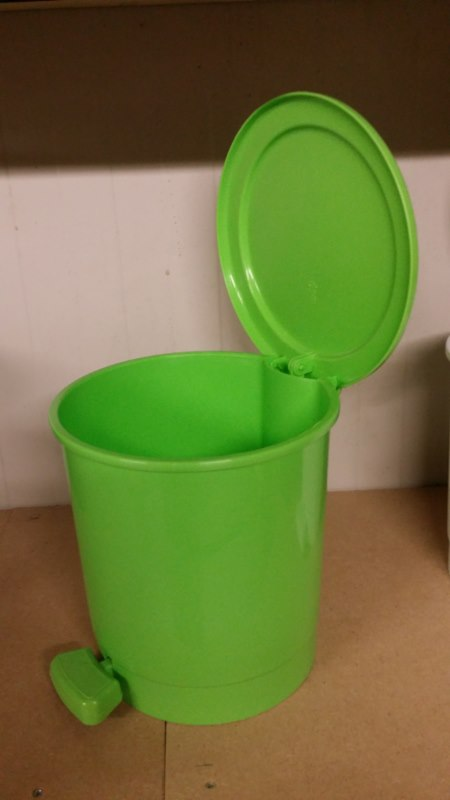 Min prullenbak voor oa badkamer of wc kleur groen 1 stuks kavel nr 444179 eindtijd 30 may - Wc kleur ...