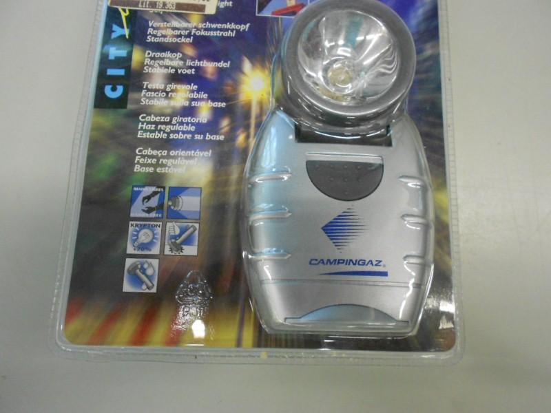 Campingaz verlichting met regelbare lichtbundel en draaibare kop stevig neer te zetten of op - Draaibare kop ...